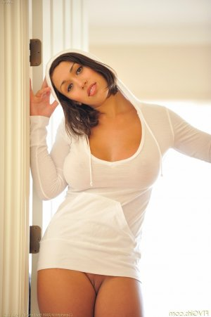 Elyanne escort girls in North Potomac