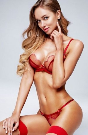 Tiphanie escort girls Waxhaw