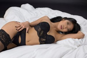 Yzia exotic escorts Gulfport, FL