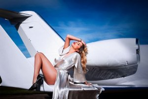 Lorenna elite escorts in Newport Beach, CA